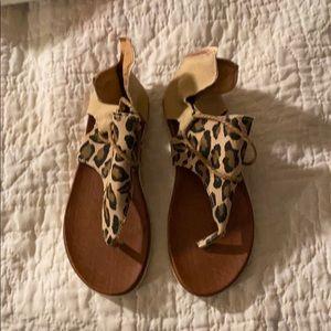Shoes - Women's Shoes/Sandals